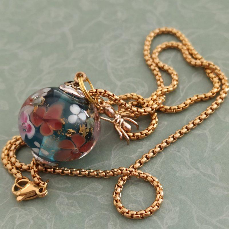 perle florale en verre filé