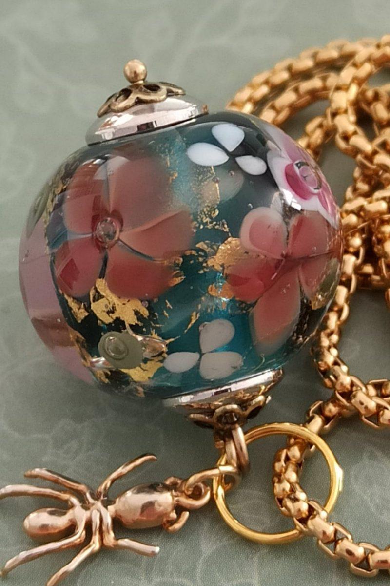 Perles fleurs de verre